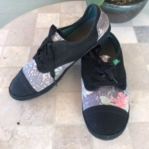 Sanuk Sock Hop Gardenia Sidewalk Surfer Shoes